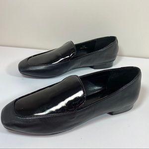 Donald J Pliner  Halia black loafers